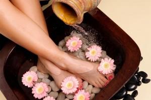 ngâm chân chữa huyết áp tăng cao