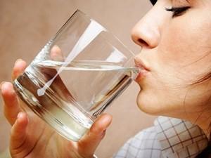 Uống đủ nước sẽ duy trì một chỉ số huyết áp bình thường