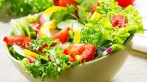 ăn salad giảm huyết áp