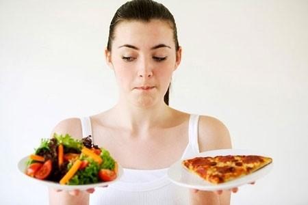 Chế độ ăn không khoa học thất thường cũng là nguyên nhân dẫn tới huyết áp thấp