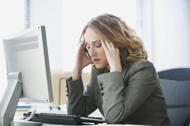 Rối loạn tiền đình gây ảnh hưởng đến công việc.
